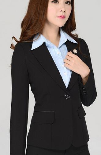 全新《修身·黑色》女士西服系列